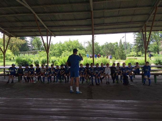 Зозуля и Ротань открыли детский футбольный лагерь