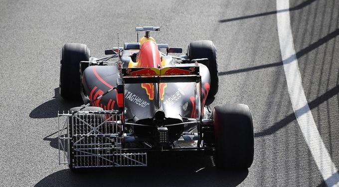 Формула-1. Окон — лидер утренней сессии финального дня тестов
