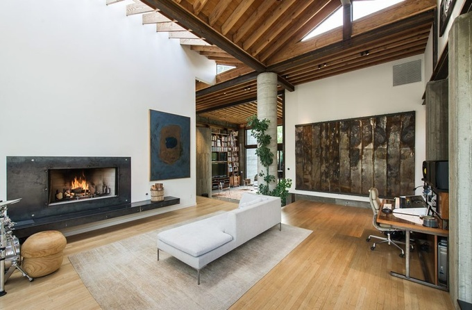 Робби Кин снимает дом за 20 тысяч фунтов в месяц