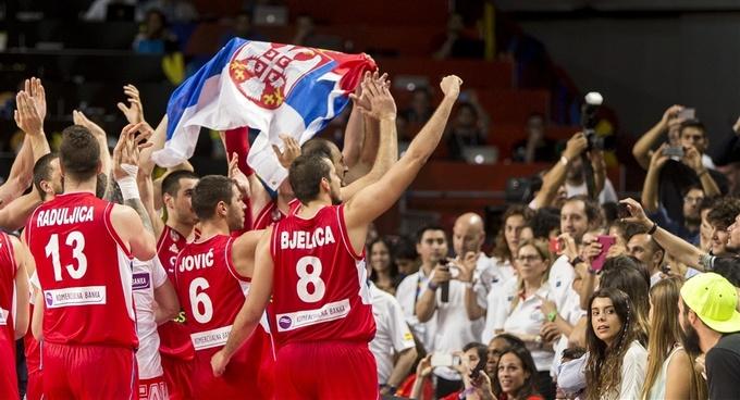 Сборная Сербии празднует выход в финал ЧМ-2014