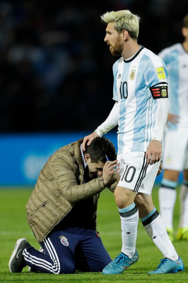Возвращение короля: Месси забивает победный гол через боль