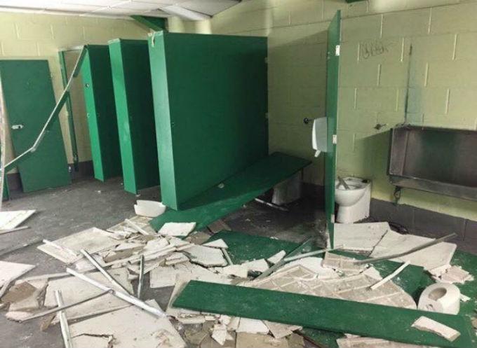 Фанаты Рейнджерс разнесли подтрибунные помещения на стадионе Селтика