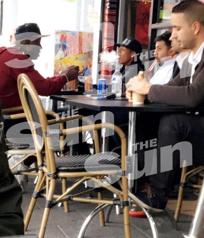 Защитника Сандерленда застукали за курением бонга