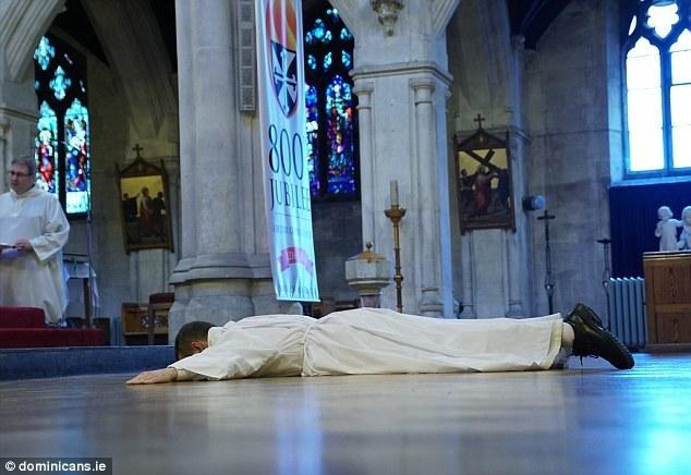 Экс-игрок МЮ стал католическим священником