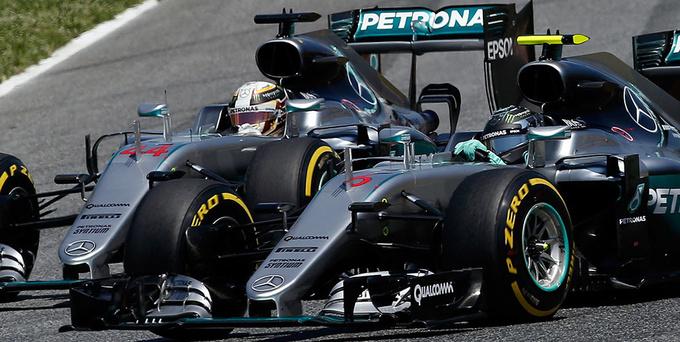 Росберг впервый раз стал чемпионом «Формулы-1»