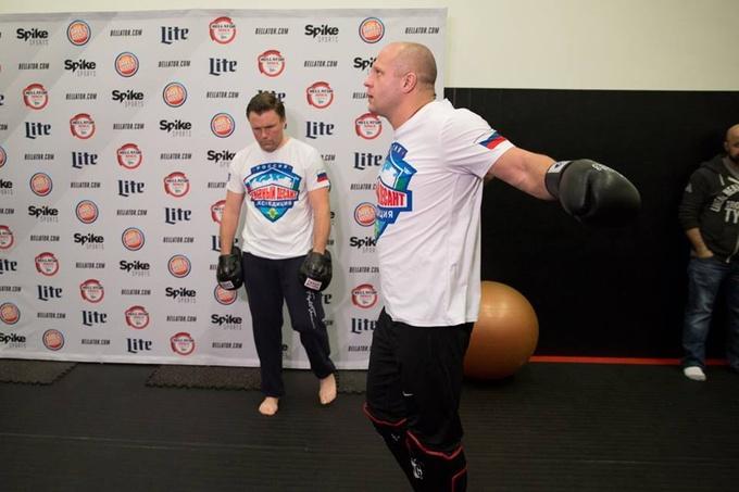 Емельяненко провел открытую тренировку накануне боя с Митрионом