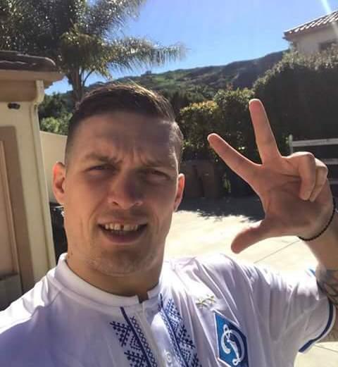 Усик передал привет фанатам Динамо из США