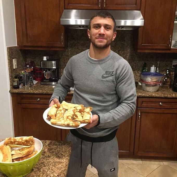 Ломаченко показал, чем завтракают чемпионы