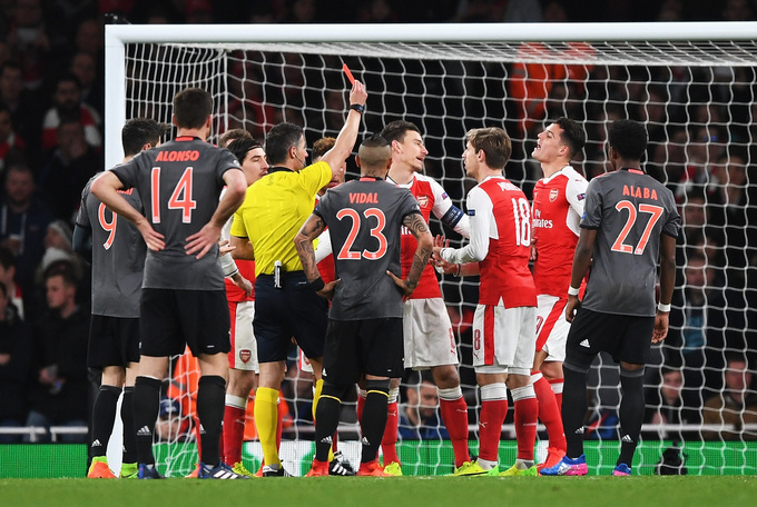 Бавария вновь забила пять мячей Арсеналу