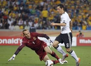Интер интересуется полузащитником сборной Германии