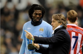 Адебайор планирует остаться в Манчестер Сити