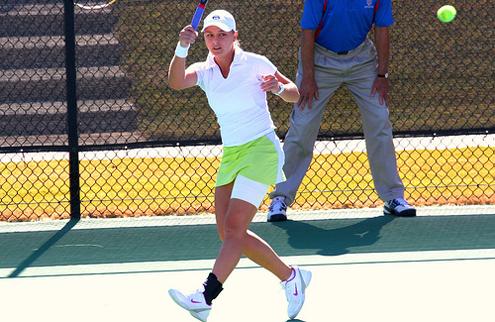 Лужанская выходит в парный финал в Бостоне
