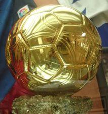 ФИФА и France Football создали общий мяч