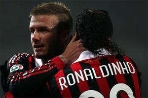 Бекхэм зовет Роналдиньо в Штаты