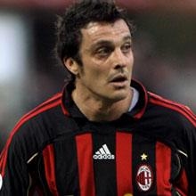 Оддо продлил контракт с Миланом