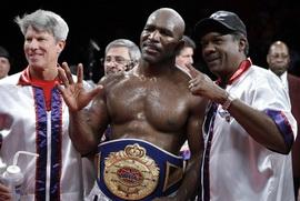 Холифилд планирует бой с Кличко на 2011 год