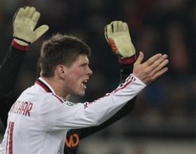 """Агент: """"Хунтелаар не покинет Милан"""""""