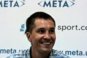 Дзинзирук ведет переговоры о бое