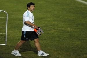 Новый контракт для Агуэро