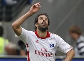 Ван Нистелрой не против продлить контракт с Гамбургом