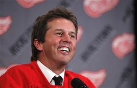 НХЛ. Модано провел первую тренировку с Детройтом