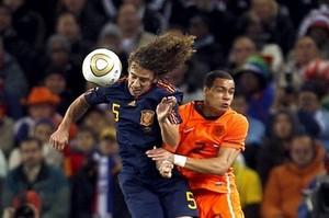 Реал и Барселона включились в борьбу за ван дер Виля