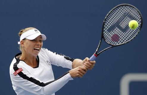 Звонарева выходит в финал, выбивая лидера на US Open
