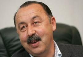 Официально: Отставка Газзаева не принята