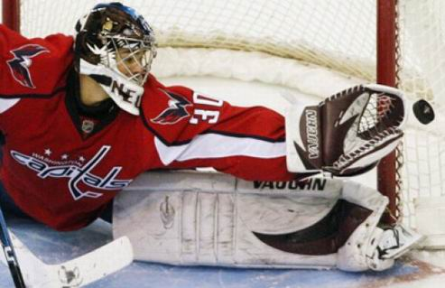 НХЛ. Вашингтон оформил контракт с Нойвиртом