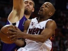 Китайские команды интересуются двумя игроками НБА
