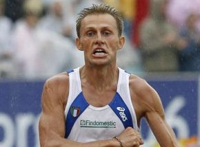 Олимпийский чемпион-2004 в марафоне завершил карьеру