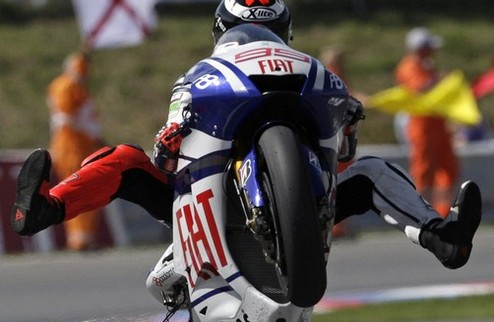 MotoGP. Гран-при Малайзии. Росси побеждает, а Лоренсо становится чемпионом