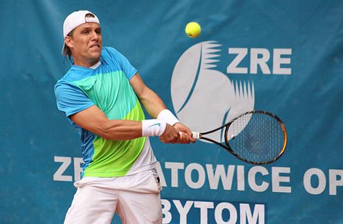 Сергеев хорошо начал соревнования в Узбекистане