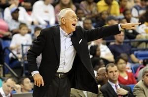 """Браун: """"Айверсон должен закончить карьеру в НБА"""""""