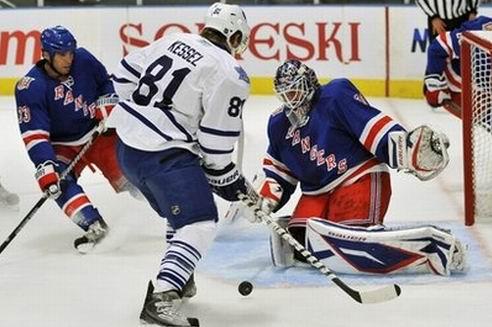 НХЛ. Новый успех Торонто, очки Федотенко и Поникаровского