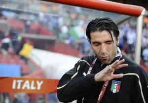 """Буффон: """"У Милана хорошие шансы взять скудетто"""""""