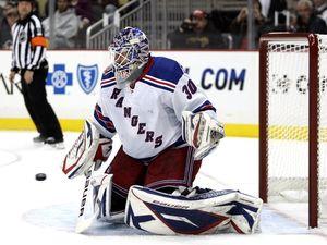 НХЛ. Лундквист признан первой звездой дня