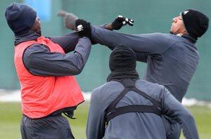 Балотелли устроил драку на тренировке