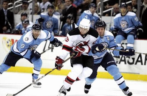 НХЛ. Десятая победа Питтсбурга, камбек Торонто, поражение Детройта