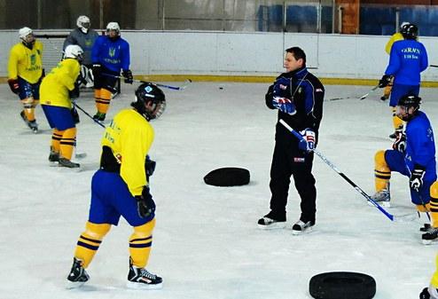 Звезды украинского хоккея проведут тренировочный лагерь для юных хоккеистов