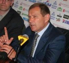 Десять футболистов Зари могут переехать в Мариуполь