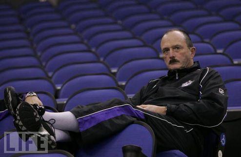 """Льюис: """"С нетерпением жду выхода моей команды на лед!"""""""