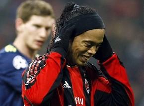 Милан не хочет платить компенсацию Роналдиньо