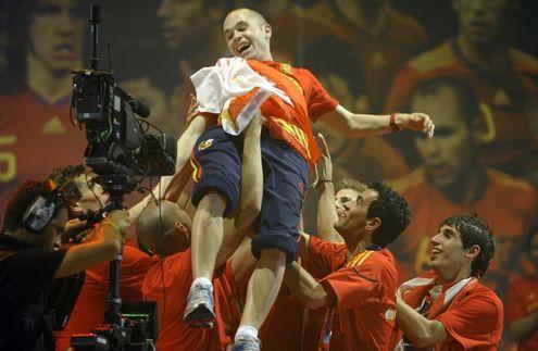 Топ-11 личностей мирового футбола в 2010 году