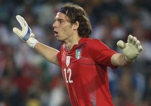 На прицеле у Малаги кипер сборной Италии