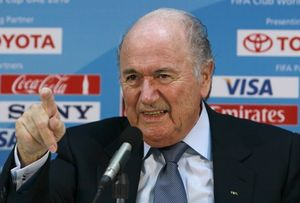 Президент ФИФА недоволен календарем АПЛ и Примеры