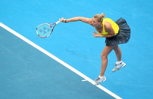 Возняцки и Звонарева берут паузу перед Australian Open