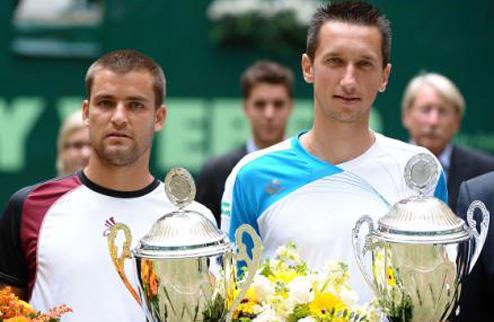 Дуэты Долгополова и Стаховского уверенно преодолели первый раунд Australian Open