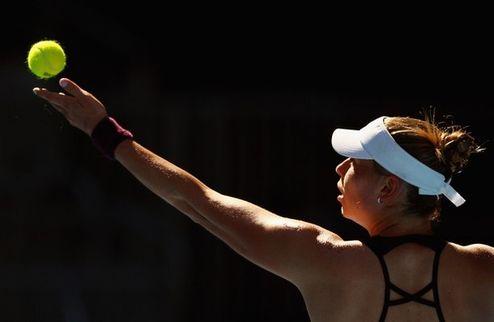 Australian Open (WTA). Цуренко уступает Макаровой, Стосур разобралась с Душевиной и другие результаты