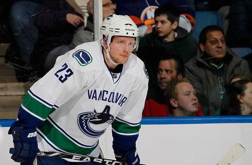 НХЛ. Ванкувер теряет ключевого защитника